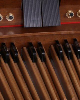 Klawiatura pedałowa (30 lub 32 klawisze, równoległe lub promieniowe)